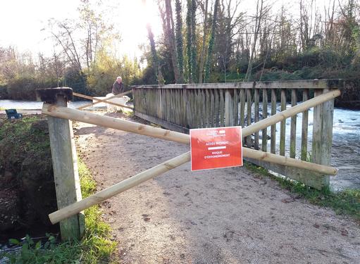 CaminAdour : information urgente / Accès interdit passerelle canal décharge Soues